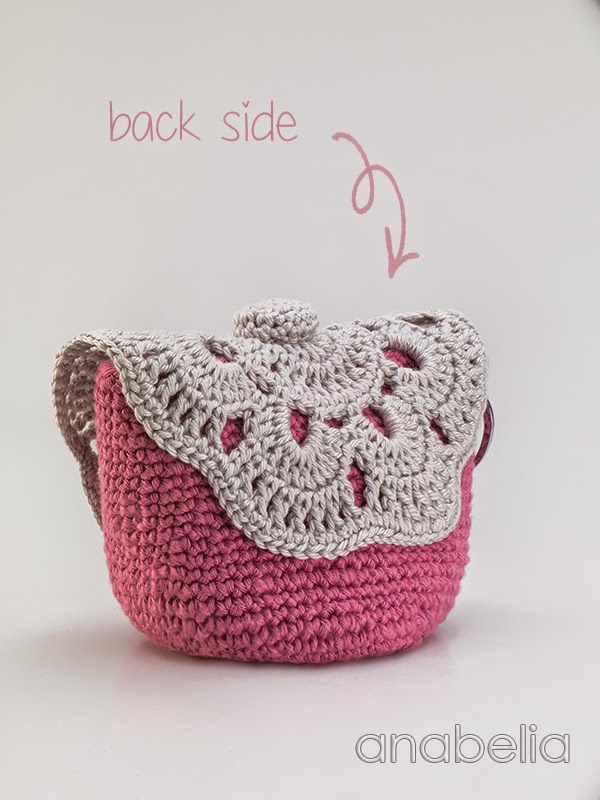 Anabelia craft design: DIY: MakeUp crochet pouches