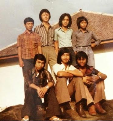 ALUMNI KELAS 2 SMP TIMONONG NYARUMKOP SINGKAWANG ANGKATAN TAHUN 1977