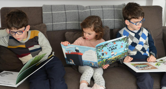 educación emocional a través de los cuentos niños leyendo