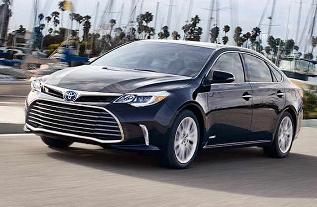 2018 Toyota Avalon Hybrid Review