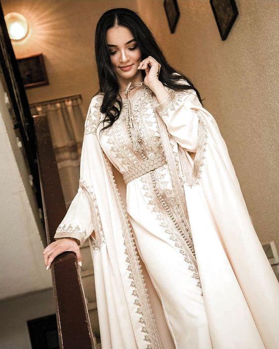 caftan blanc moderne pour mariage paris