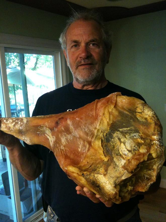 Đùi lợn mốc của Tây Ban Nha được xem là báu vật ẩm thực cũng có nguyên do cả.