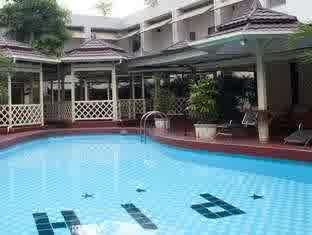 swimming pool pardede international hotel