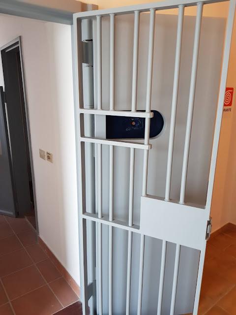 Hotel villa Santadi-Cella dell'ex carcere