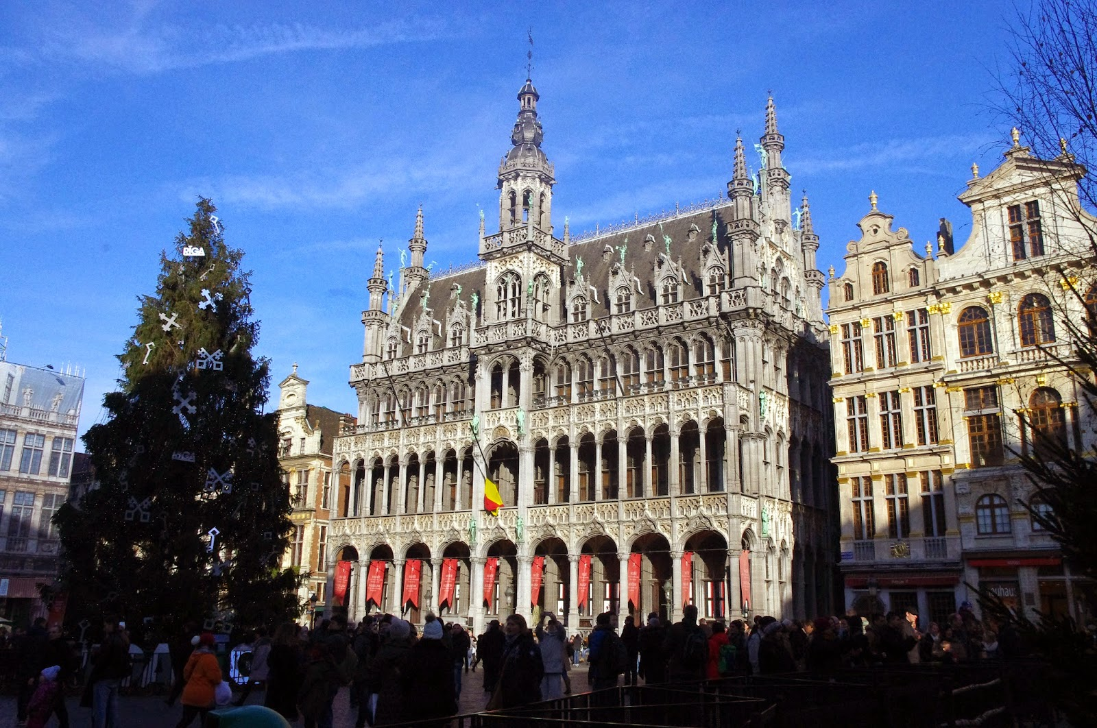 A Weekend of Chocolate, Beer & Christmas Markets in Brussels