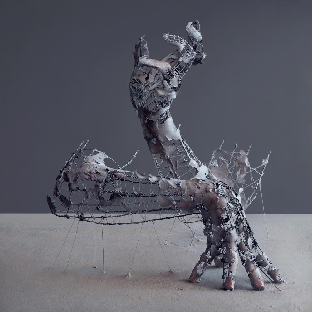 07-Yuichi-Ikehata-Kakuunohito-Surreal-and-Realistic-Physical-Fragment-Sculptures-www-designstack-co