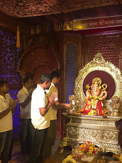 Puneri Paltan seek blessings from divine Bappa during the auspicious Ganeshotsav
