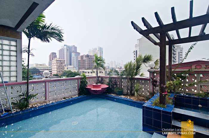 Pink Hostel Manila Swimming Pool