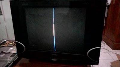 Sebagai seorang teknisi tentunya kita harus mengetahui berbagai macam kerusakan televisi TV Bergaris - Penyebab & Cara Memperbaikinya
