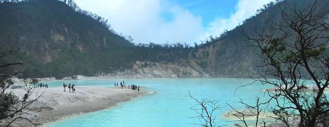 Pemandangan Kawah Putih Jawa Barat