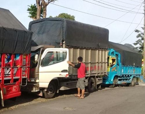 Sewa Truk Semarang Medan Murah