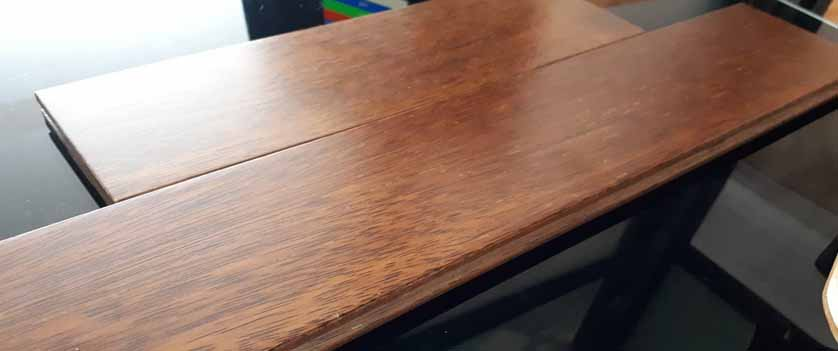 texture kayu merbau