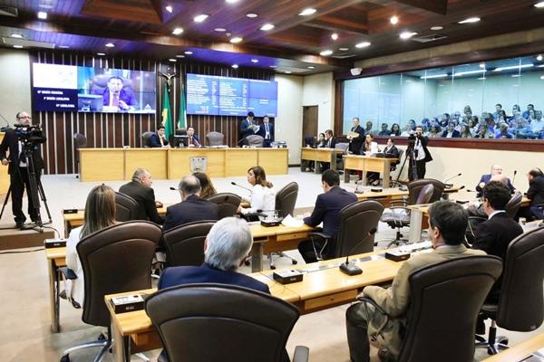 Veto do governo é derrubado e inativos devem continuar na folha da UERN