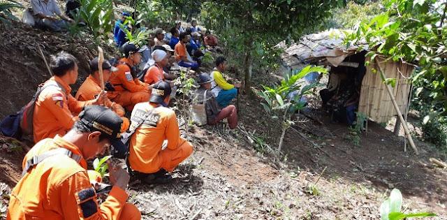 Empat Hari Nenek Siti Hilang Di Kaki Gunung Karang