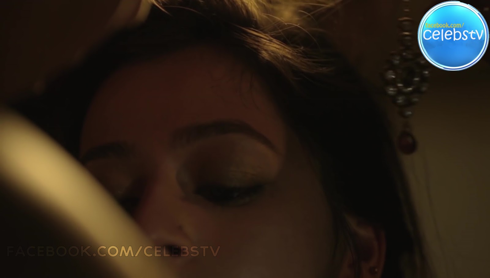 Priyal Gor Bare Navel Show And Smooch Scene - Sexy Celebs -2681