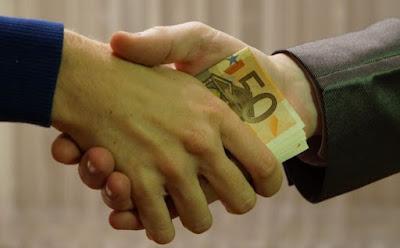 https://www.abusyuja.com/2019/11/kewajiban-membayar-kafarat-bagi-suami-dan-istri.html