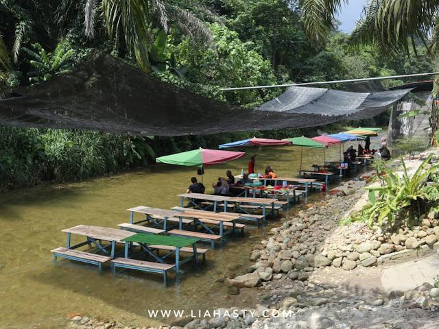 Makan Sambil Mandi Sungai di La Cottage Cafe & Chalet, Kampar, Perak