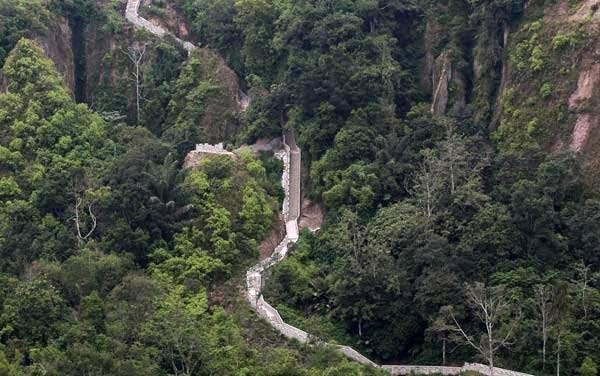 kota bukittinggi di sumatera barat juga punya janjang koto gadang namanya inilah tempat wisata baru yang membawa anda serasa tembok