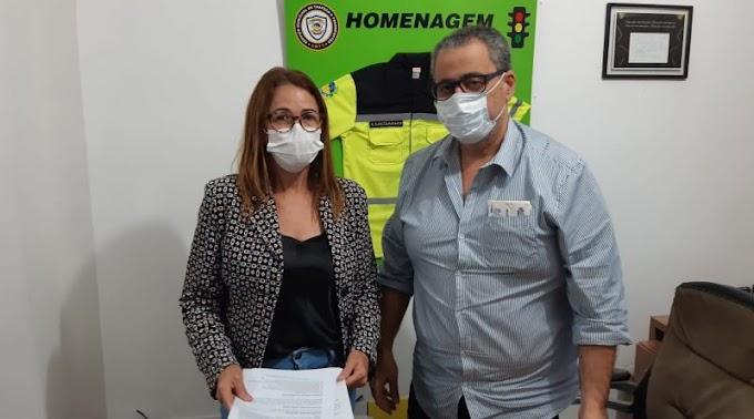 Kátia da Saúde entrega equipamentos para UTI do Hospital Regional de Jacobina