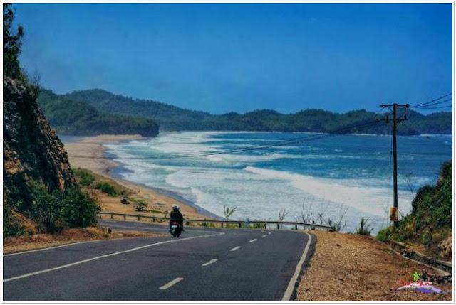 Pantai Soge;Top Destinasi Wisata Pacitan;