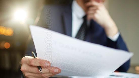 advogado xingar defensor caquetico decadente direito