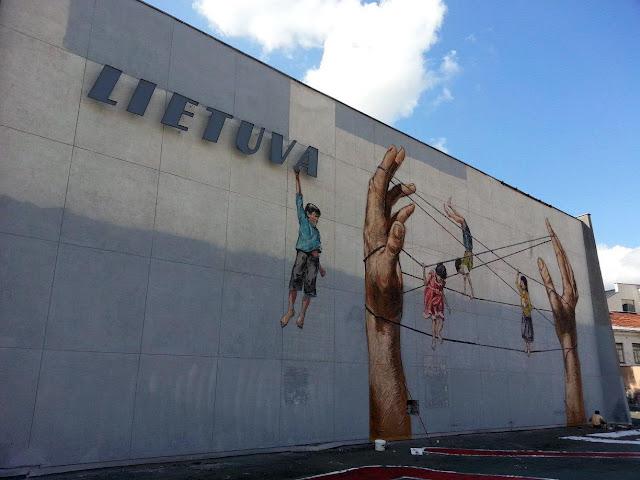 Street Art By Ernest Zacharevic For Vilnius Street Art Festival In Lithuania. 4