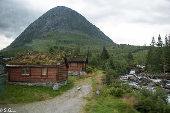 Casas con techo de cesped. Noruega