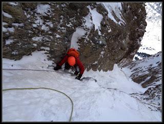 En Rioseta, escalando el corredor Noroeste del Pico del Águila