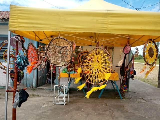Pedrinhas e Boqueirão sul expõem e vendem artesanato da ilha nos finais de semana