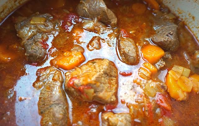 Carne estofada de res (vaca) receta fácil y económica.