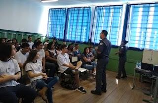POLICIAIS MILITARES PARTICIPARAM DA VI FEIRA DE PROFISSÕES DO JAP EM ELDORADO