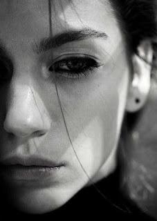 اقوى خلفيات حزينة للغاية