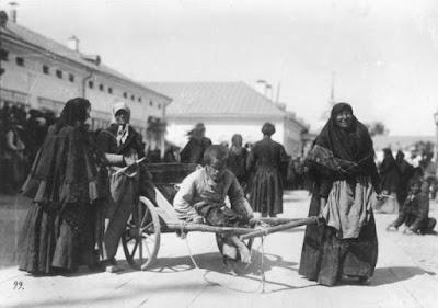 Ο χωλός Βασίλι Λικόφ, ηλικίας 28 χρονών,  ένας από τους πολλούς που θεραπεύτηκαν  την ημέρα αγιοκατάταξης του Οσίου Σεραφείμ.