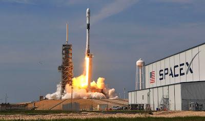 SpaceX lanzó al espacio 60 satélites con el fin de crear su internet satelital-TuParadaDigital