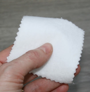 http://www.janetjul.com/es/accesorios/toalla-plastificada-50x50cm