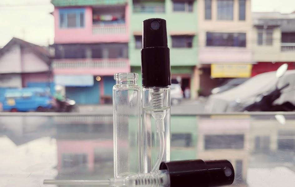 Apa Maksud Dari kata VAPORESATEUR dan NATURAL SPRAY Pada Kemasan Parfum