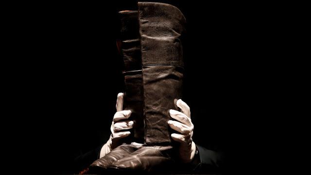 بيع حذاء قائد تاريخي ب100 الف دولار