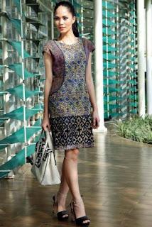 Model Baju Terusan Batik Untuk Kerja Tampil Elegan