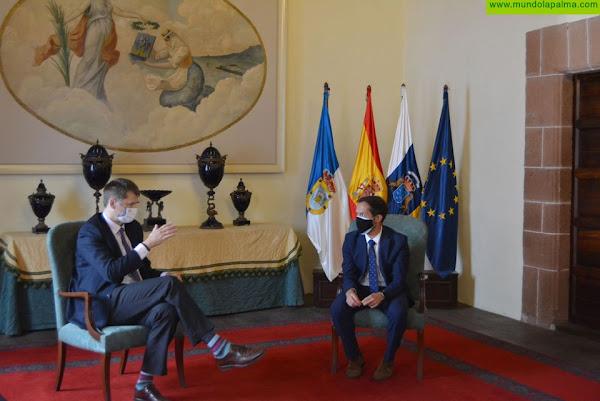 Mariano Zapata y el embajador de Reino Unido en España confían en la recuperación del turismo británico en La Palma