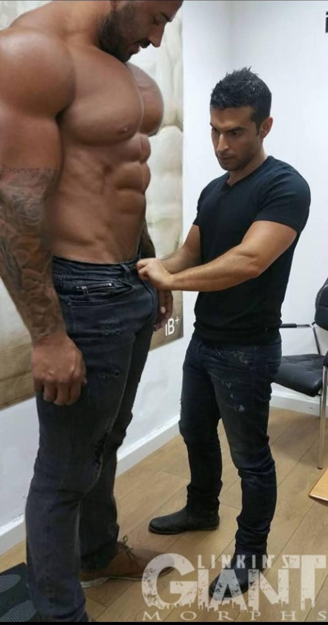 hombre alto y de verga grande