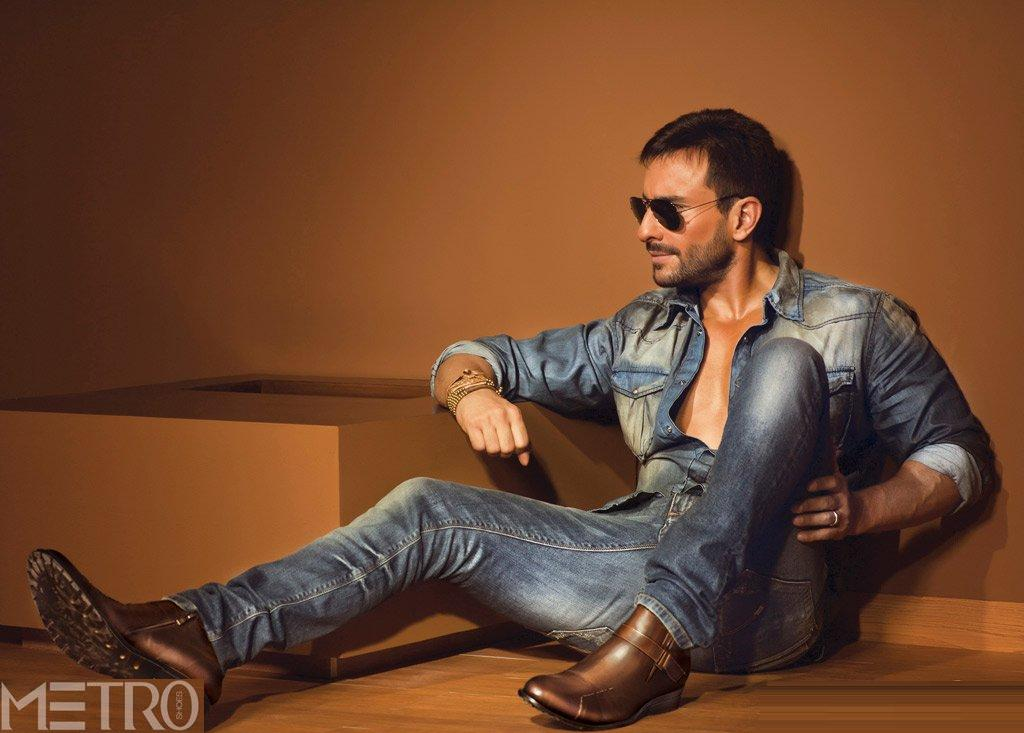 Saif Ali Khan Wallpaper: Bollywood Actresses Wallpapers, Indian Actros Pictures