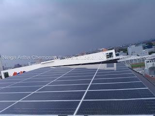 pasang panel surya