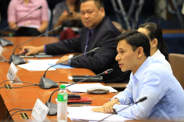Senator Sonny Angara pushes for free dialysis treatment for poor patients.