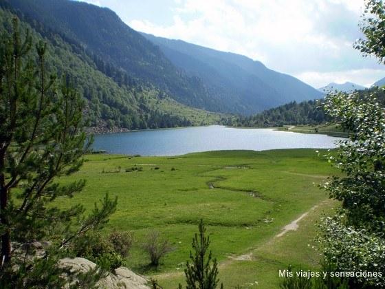 Lago de Llebreta, Parque Nacional de Aigëstortes, Vall de Boi, Lleida