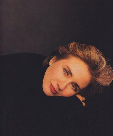 Vogue Magazine Endorses Hilary Clinton For President.