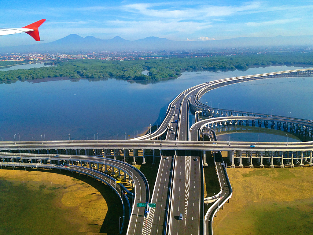 9 Panorama Perjalanan Darat Terbaik Indonesia - THE COLOUR ...