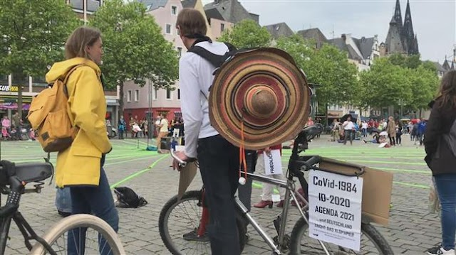 Germany: Protesters rally against coronavirus restrictions in Cologne