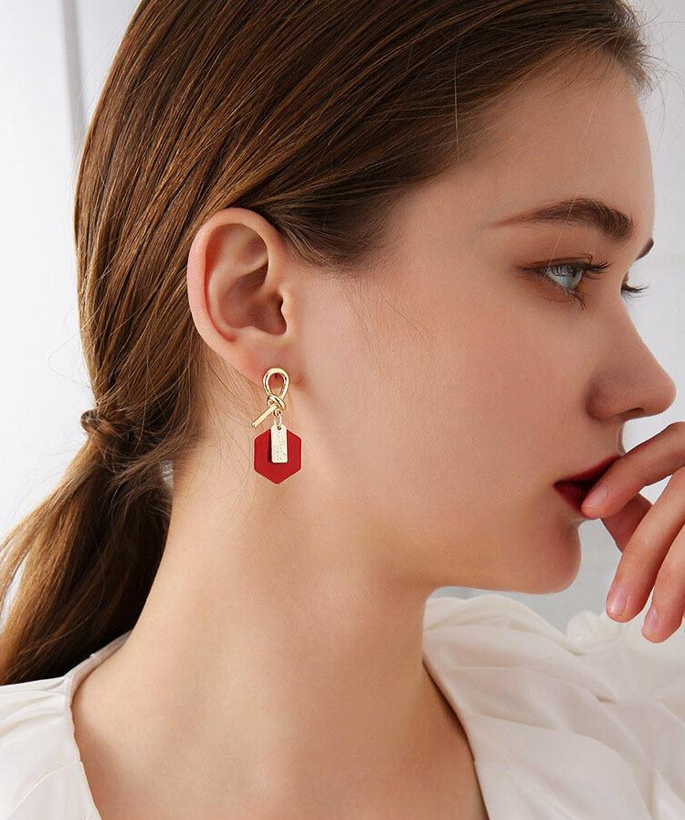 閃亮風暖心紅幾何耳環
