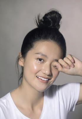 Tip Menggunakan Eye Cream Sesuai Usia untuk Cegah Tanda Penuaan Dini