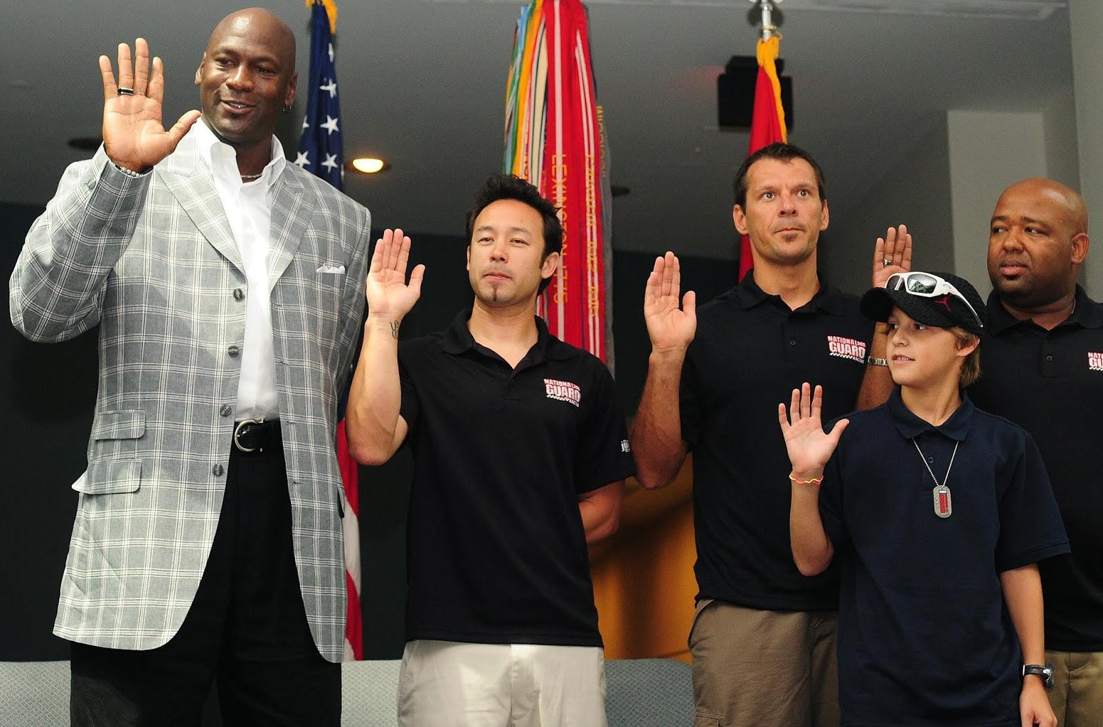 """مايكل جوردن أسطورة كرة السلة """"NBA"""".. حياته و مسيرته الرياضية"""